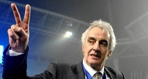 Jorge Fossati Fossati celebrates quiet birthday Doha Stadium Plus