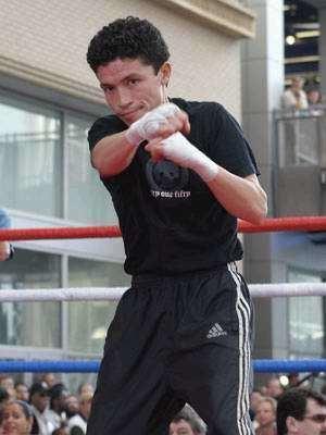 Jorge Solís Jorge Solis Boxer Boxing news BOXNEWScomua