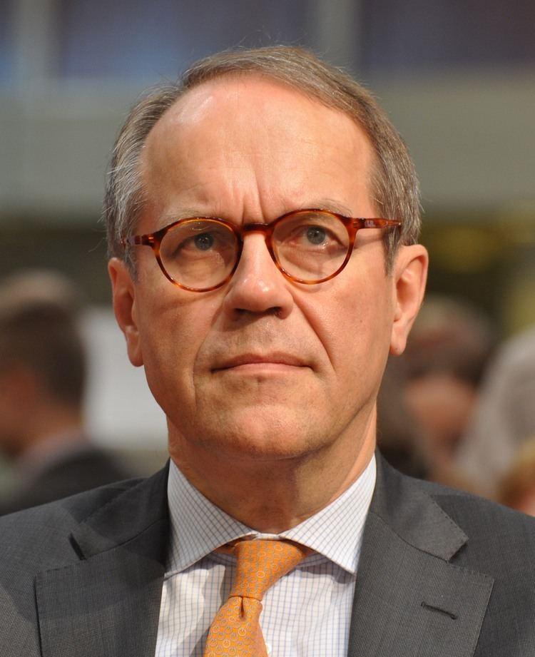 Jorma Ollila httpsuploadwikimediaorgwikipediacommons66