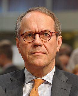 Jorma Ollila httpsuploadwikimediaorgwikipediacommonsthu