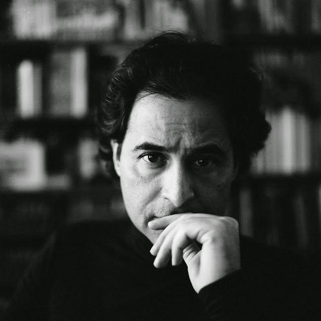 José Eduardo Agualusa Jos Eduardo Agualusa identidade e memria Templo Cultural Delfos