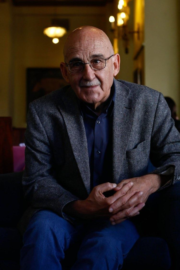 José Sanchis Sinisterra POR UNA TEATRALIDAD MENOR Jos Sanchis Sinisterra ROTOSCOPIO