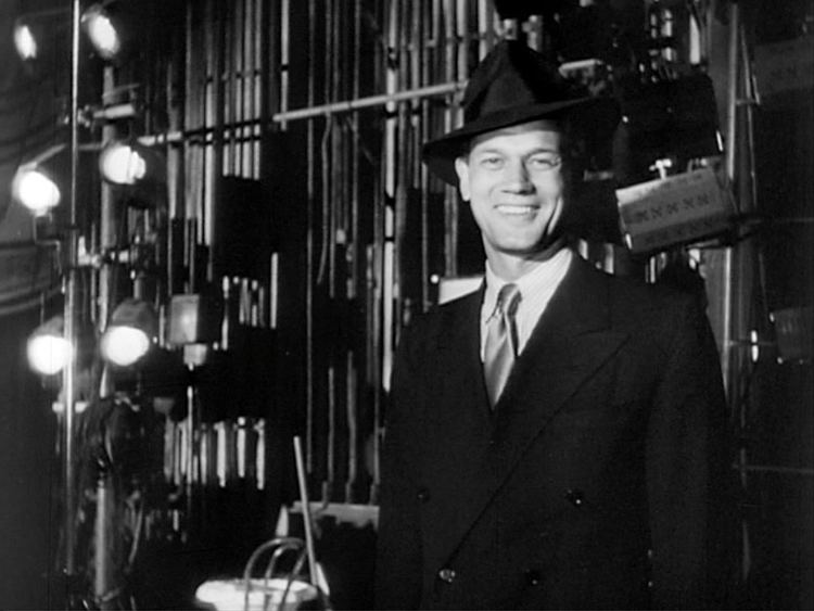 Joseph Cotten Joseph Cotten Biography Actor Film actor Screenwriter
