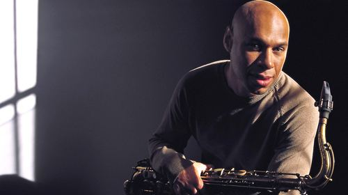 Joshua Redman Review Sax master Joshua Redman and trio rocking out