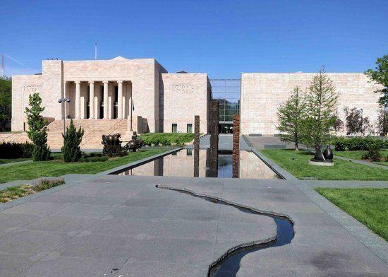 Joslyn Art Museum Chihuly Sculpture Picture of Joslyn Art Museum Omaha TripAdvisor