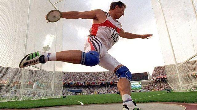 Jürgen Schult Jrgen Schult world record celebrates 10 000 days today Global