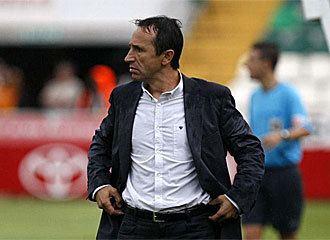 Juan Carlos Oliva estaticos01marcacomimagenes20101206futbole
