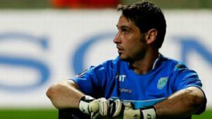Juan Obelar Uruguayan keeper Juan Obelar loses four fingers in