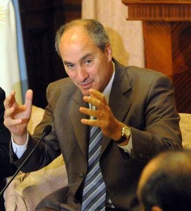 Juan Pablo Cafiero Designan a Juan Pablo Cafiero embajador ante el Vaticano