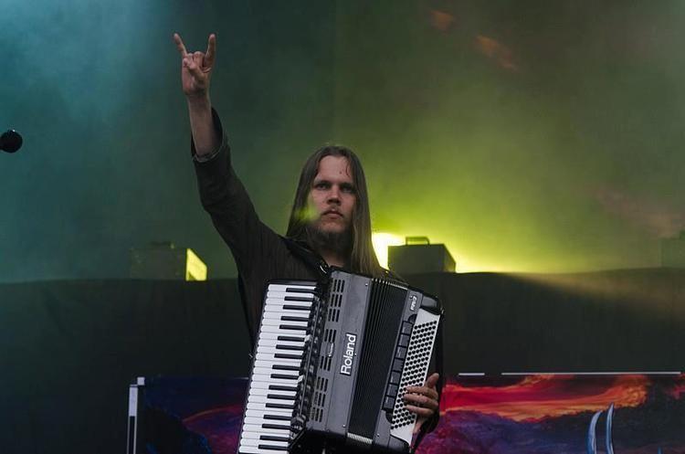 Juho Kauppinen KORPIKLAANI el acordeonista Juho Kauppinen deja la banda