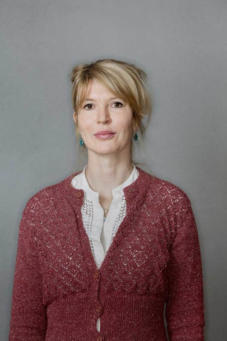 Julia Davis Julia Davis 39I don39t want to offend anyone39 Profiles