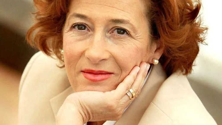 Julia Navarro La escritora Julia Navarro nos presenta su novela quotDispara