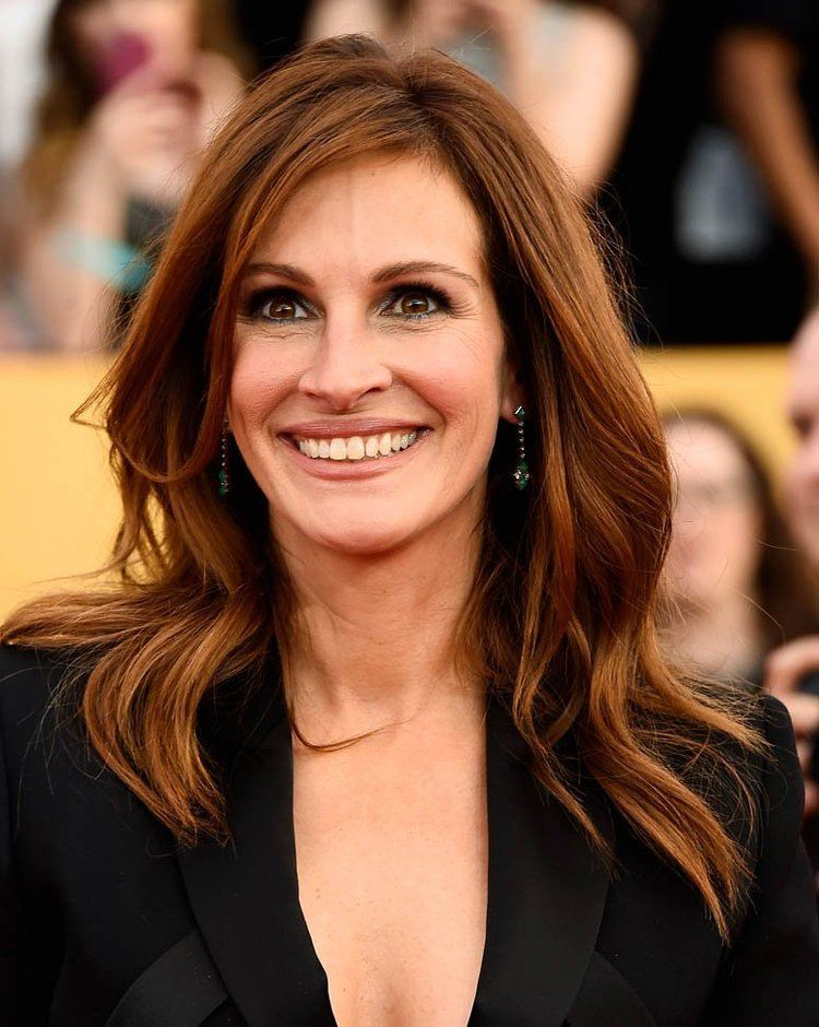 Julia Roberts Julia Roberts Wordy Little Tongue Twister at the SAGs