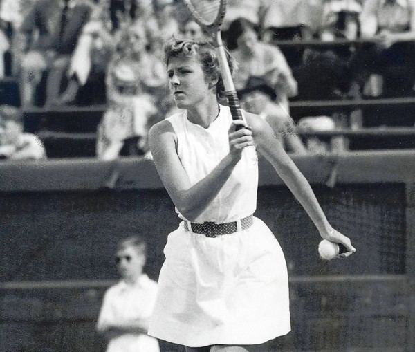 Julia Sampson Hayward Julia Sampson Hayward 77 won 21 US national and two Grand Slam
