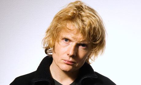 Julian Rhind-Tutt Doctor Who could Green Wing39s Mac get a bite at the role