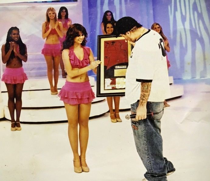 Julianne Trevisol Julianne Trevisol chora ao relembrar poca de bailarina do Fausto