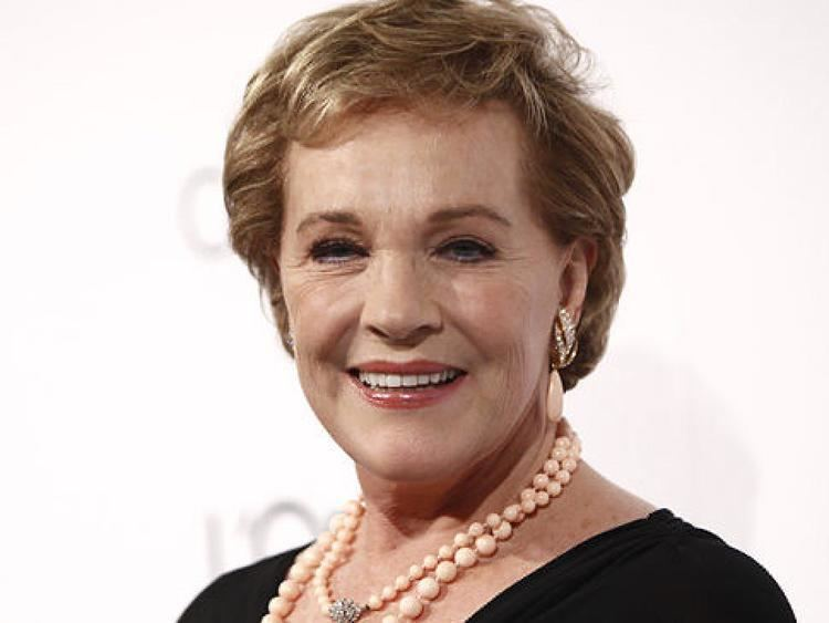 Julie Andrews Julie Andrews says her voice is not coming back NY Daily