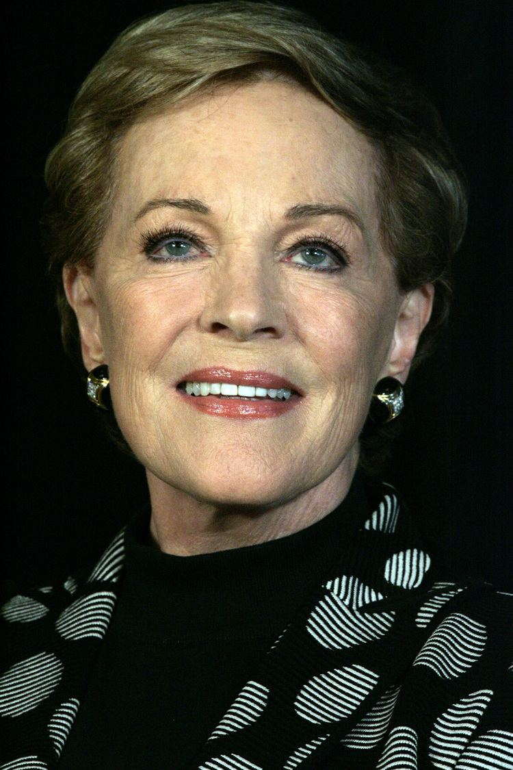 Julie Andrews Julie Andrews Wikipedia the free encyclopedia