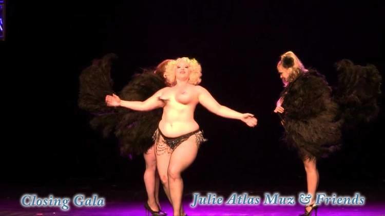 Julie Atlas Muz BHOF11 Closing5 Julie Atlas Muz amp Friendsmp4 YouTube