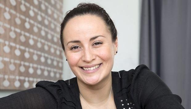 Julie Berthelsen Julie Berthelsen flytter i nyt rkkehus SE og HR