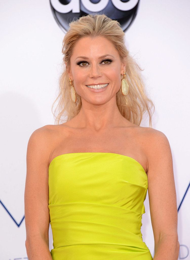 Julie Bowen Julie Bowen Quench Your Emmy Awards Thirst With All of