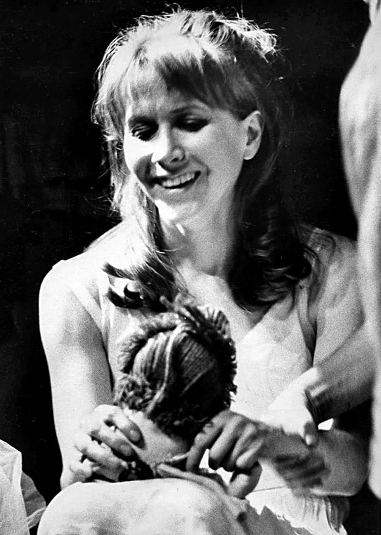Julie Harris born December 2, 1925 nudes (61 photos), Topless, Bikini, Instagram, in bikini 2020