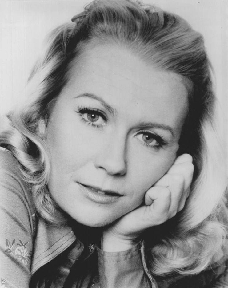 Juliet Mills httpsuploadwikimediaorgwikipediacommons11