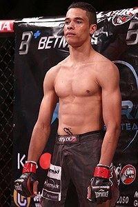 Julio Cesar (mixed martial artist) www3cdnsherdogcomimagecrop200300imagesfi