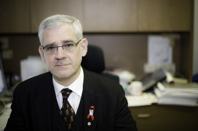 Julio Montaner Vancouver doctor endorses plan as chief architect of new