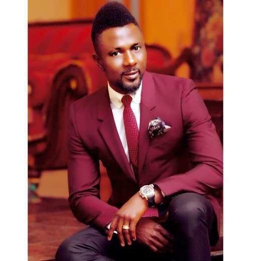 Julius Aghahowa Julius Aghahowa Former Super Eagles striker dapper in new photos as