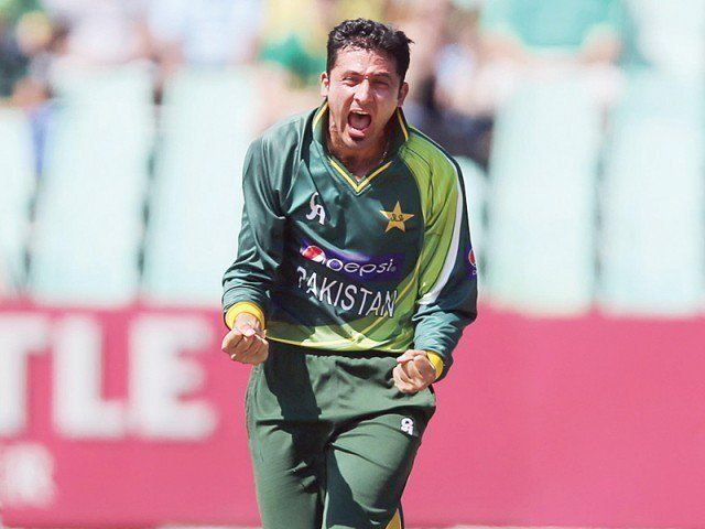 Bowler Junaid Khan doubtful for World Cup 2015 after sustaining