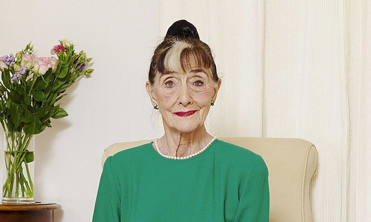 June Brown June Brown To Star As Dot Cotton In Eastenders Until She Turns 90