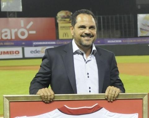 Junior Noboa Leones nombran a Noboa manager interino MLBcom