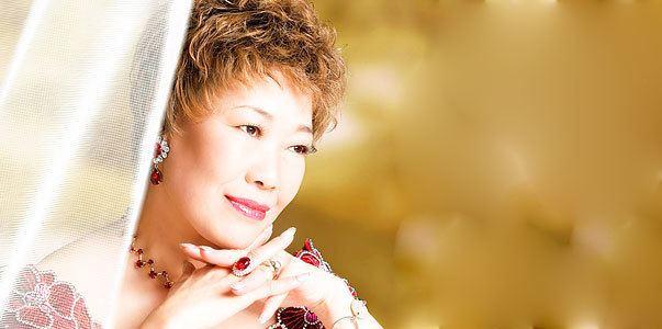 Junko Akimoto wwwjpopasiacomi1celebrities122700junkoakimo