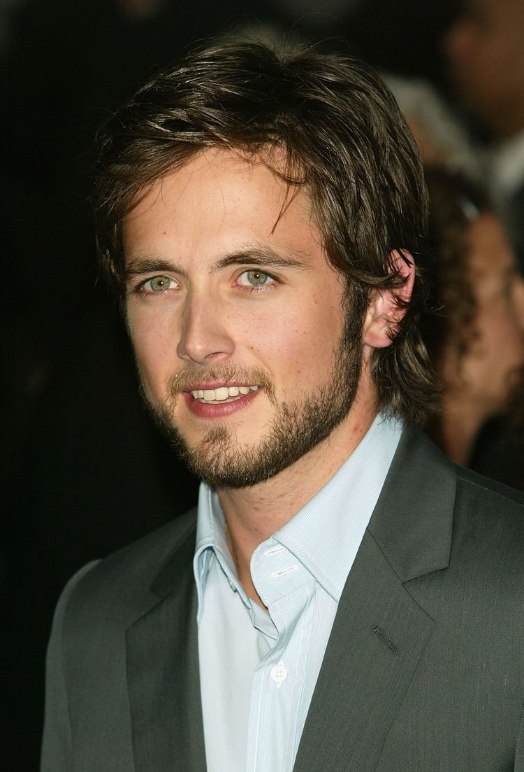 Justin Chatwin Justin Chatwin born October 31 1982 is a Canadian film and