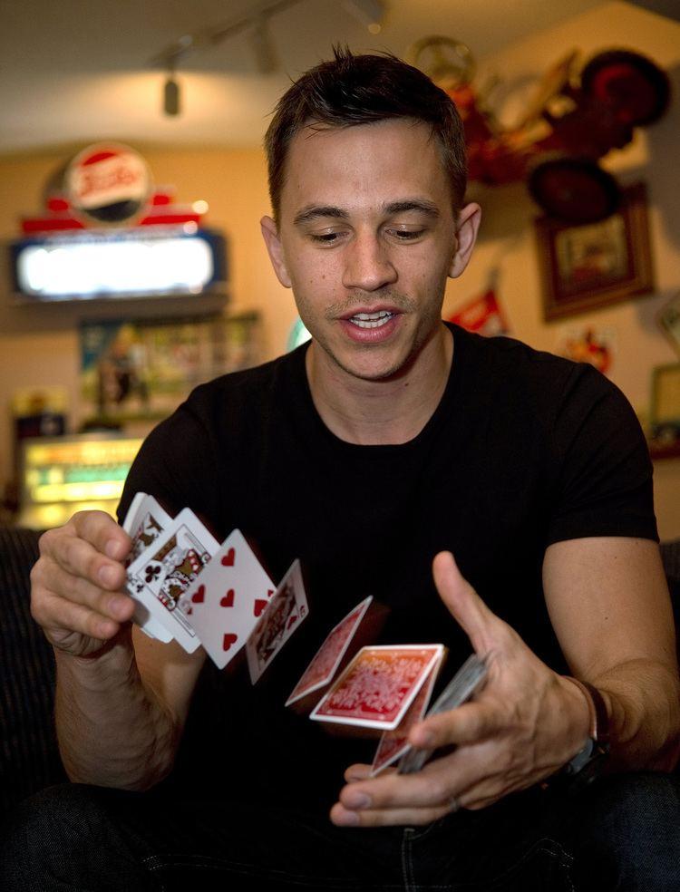 Justin Flom Presto Eden Prairie magician Justin Flom has new SyFy