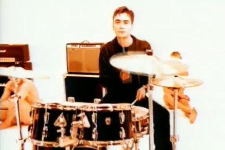 Justin Welch Suede temporarily enlist former Elastica drummer Justin Welch NME