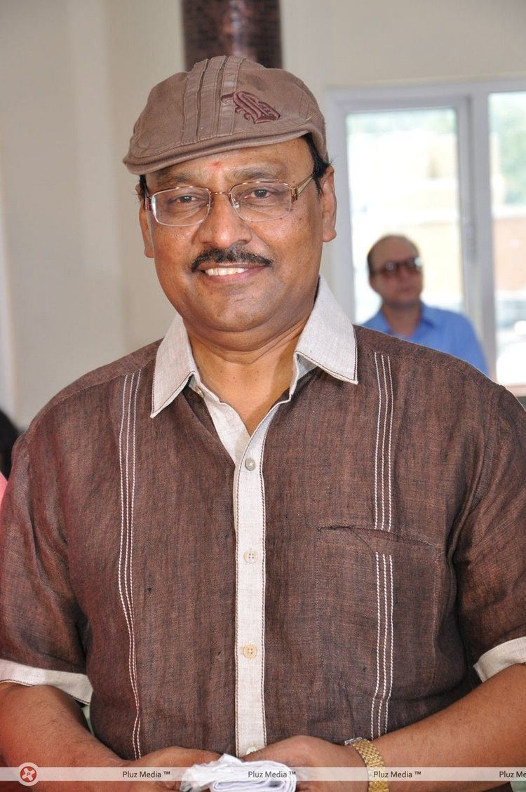 K. Bhagyaraj K bhagyaraj producer m ramanathan daughter wedding photos