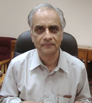 K. Jayakumar More Poetic Than Bureaucratic Trivandrum News Yenthacom