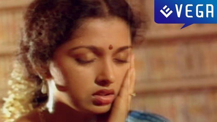 Kaaval Nilayam movie scenes Kaval Nilayam Movie Gouthami Trapped Scene