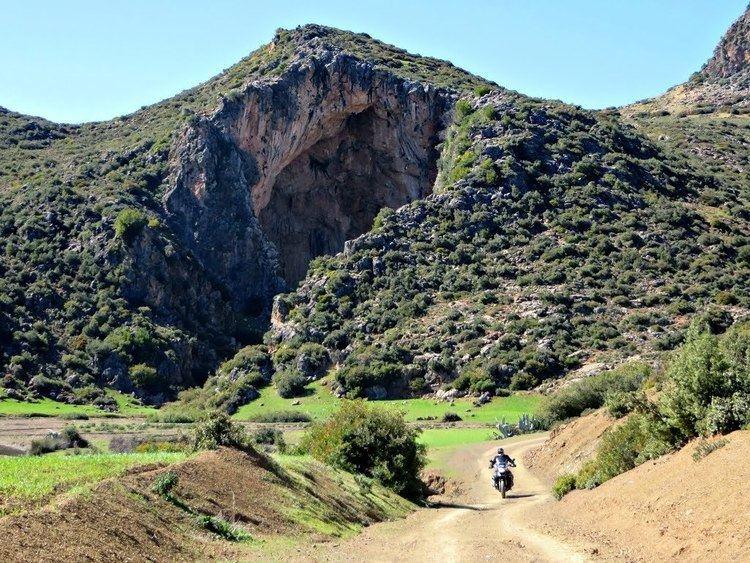 Kaf El Ghar Panoramio Photo of La Gruta de KafelGhar