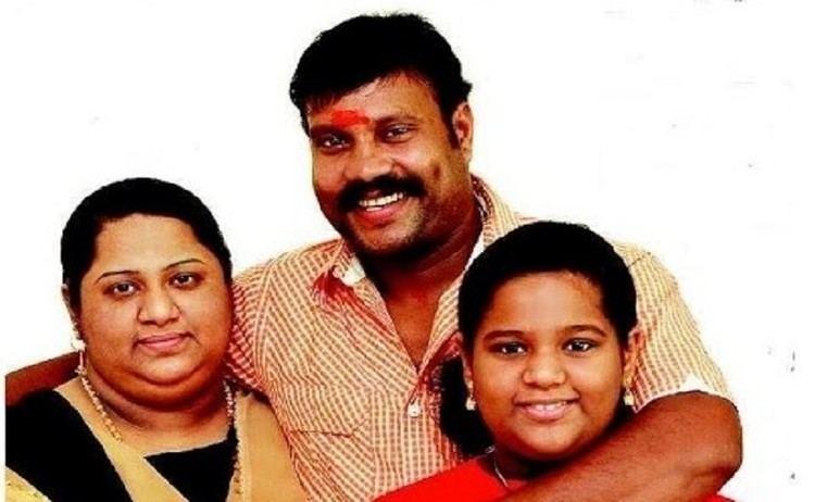 Kalabhavan Mani with family Kalabhavan Mani and family