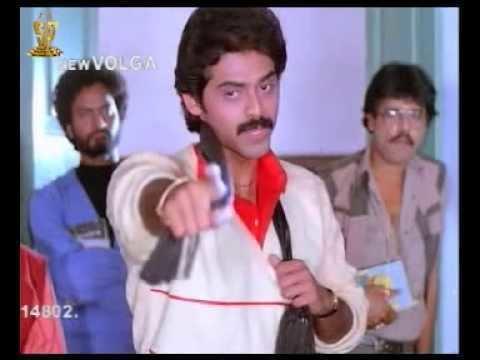 Kaliyuga Pandavulu Kaliyuga Pandavulu Movie Scenes Venkatesh Disturbs the Class