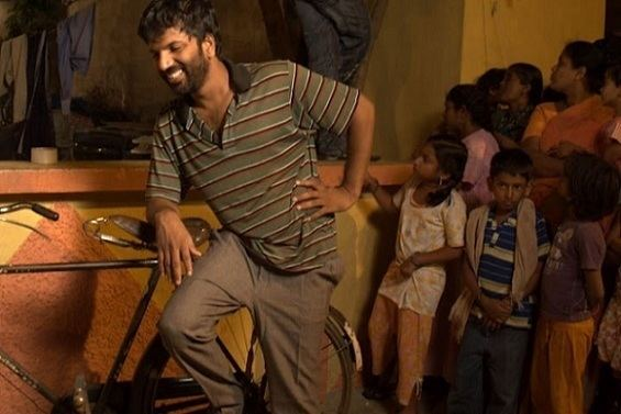 Kann Sivanthaal Mann Sivakkum movie scenes Lights Camera Conversation Stranger than fiction
