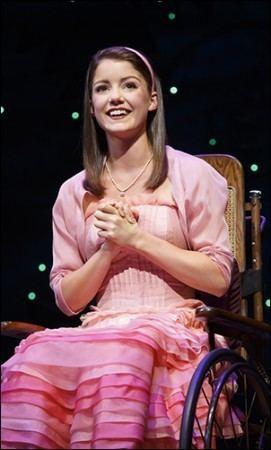 Kara Lindsay PHOTO CALL A First Look at Wicked Tour Stars Laurel Harris Kara