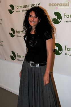 Karen Dawn ecorazzicomwpcontentuploads200812karenjpg