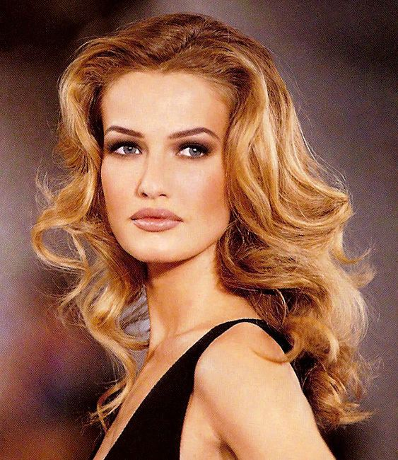 Karen Mulder Karen Mulder Muses Mode Mode Mode The Red List