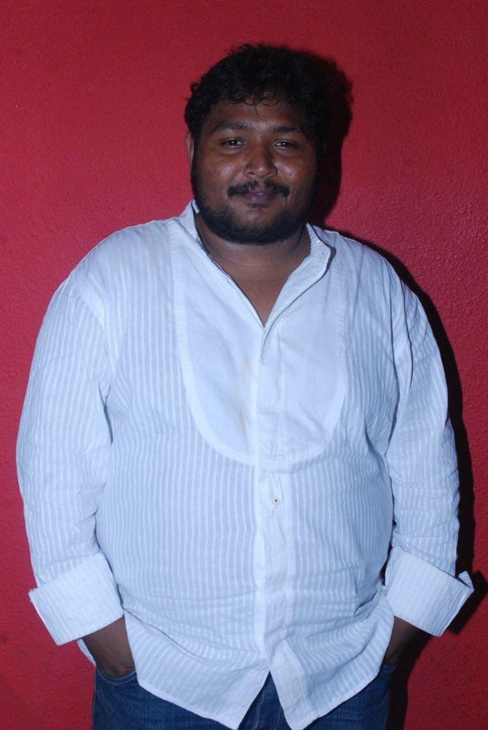 Karthik Sabesh spicyonioncomimagesprofileartistkarthiksabes