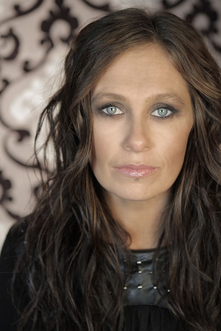 Kasey Chambers The No Surf Review Kasey Chambers Storybook