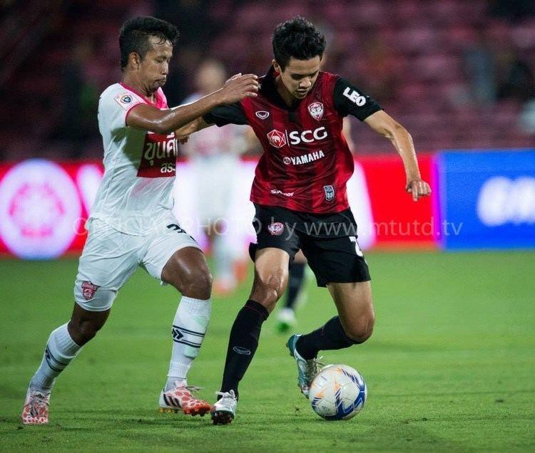 Kasidech Wettayawong MTUTDTV Kasidech Wettayawong v Saraburi FC Thai Premier League 2015